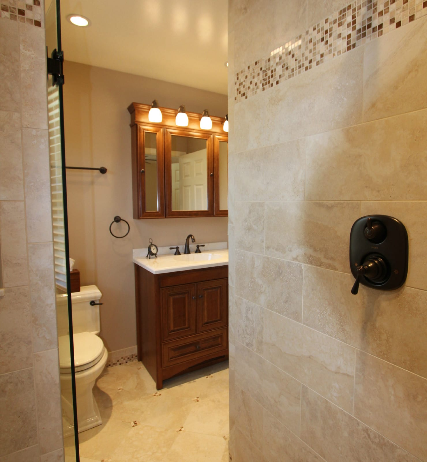 Baldwin Master Bath With Mosaic
