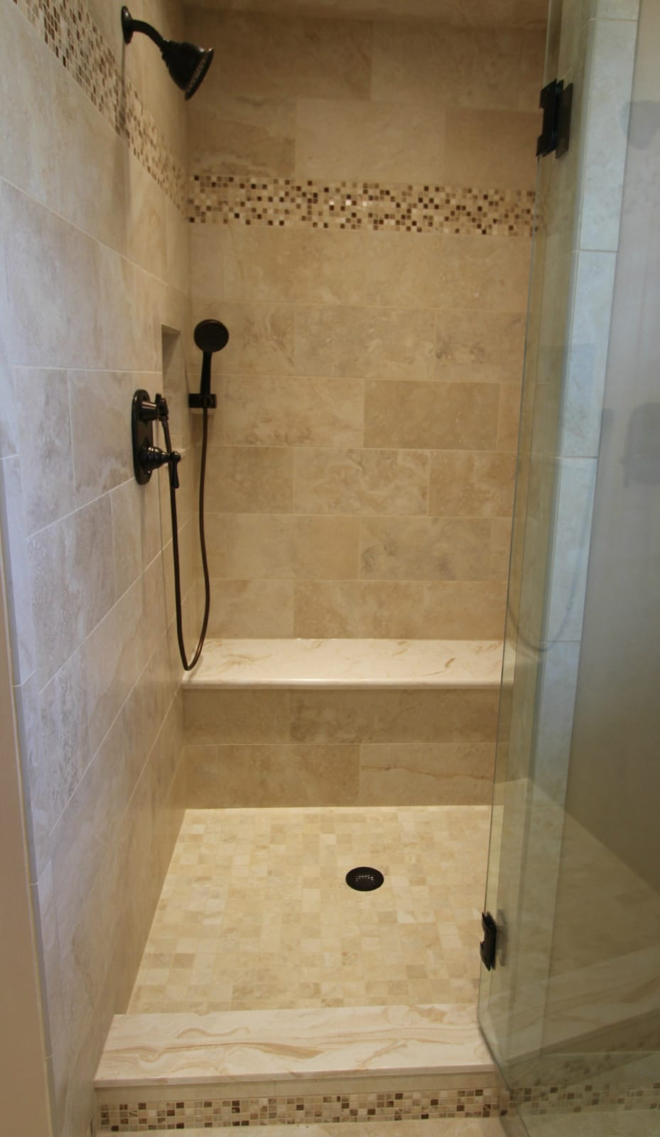 mosiac_shower_accent