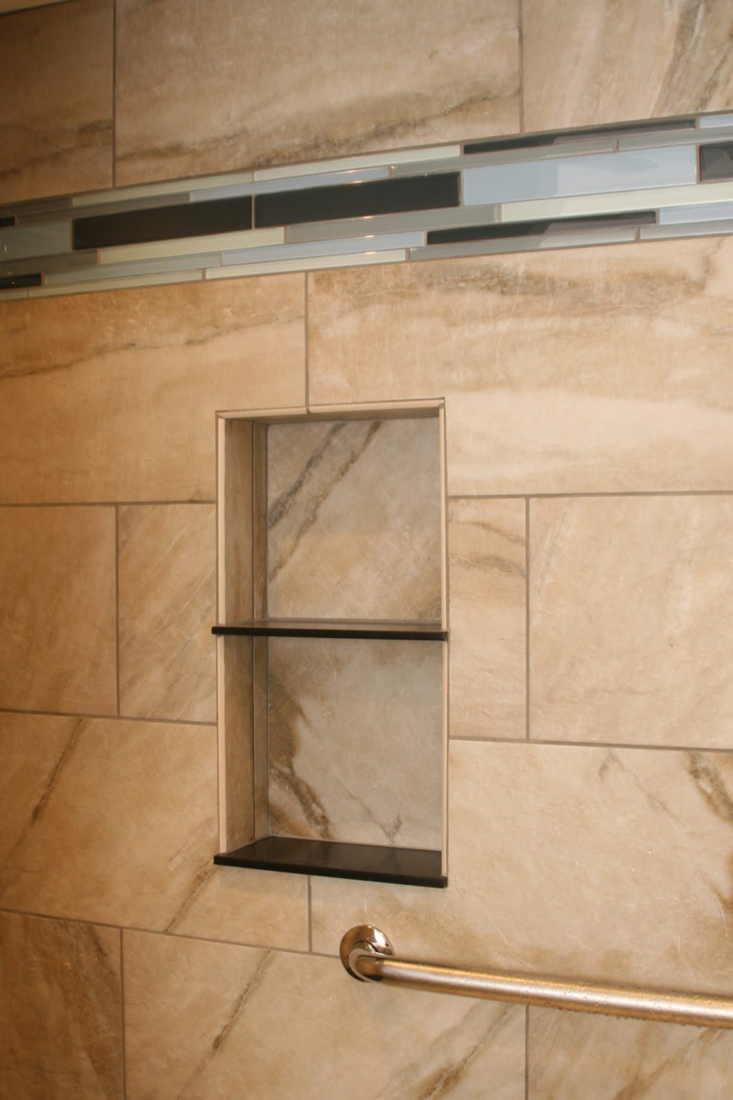 shower_niche_grab bar